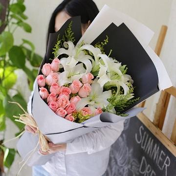 幸福滋味-粉玫瑰+白百合混搭