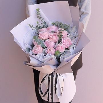 幸福即将到来-11朵粉玫瑰