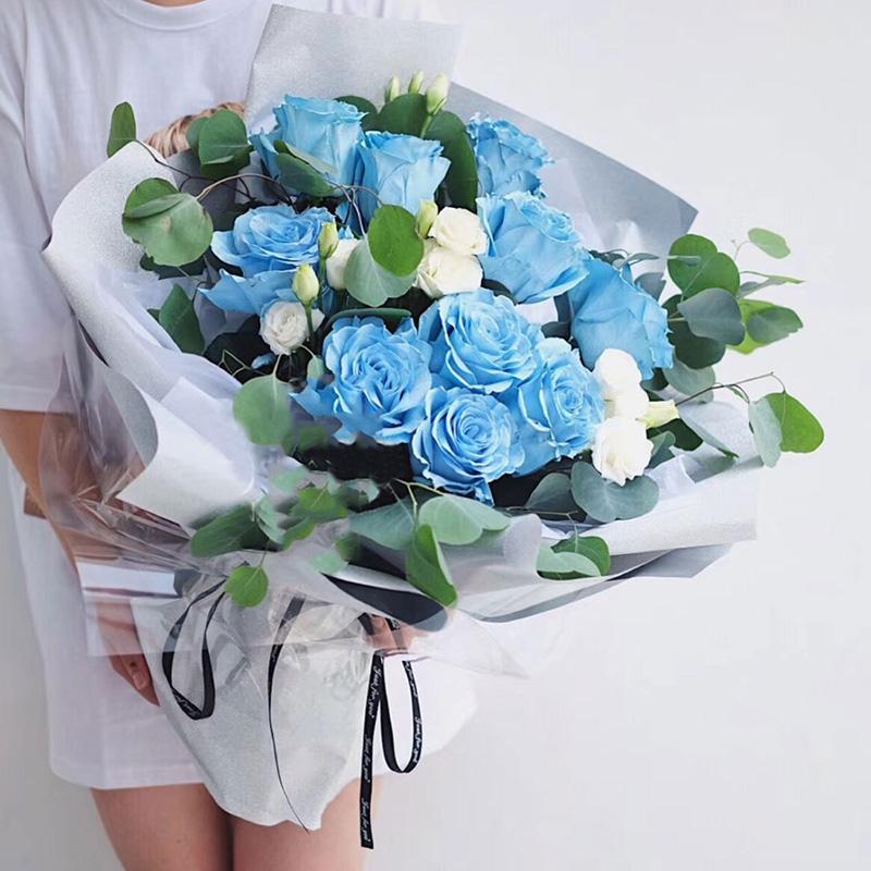 给才认识几天的女性朋友送什么鲜花比较好呢
