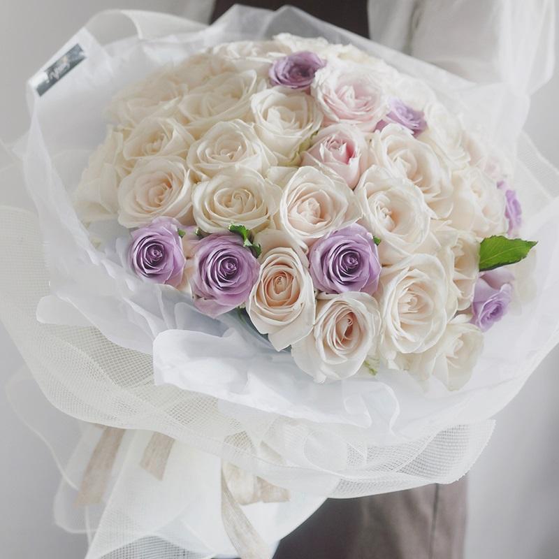 浪漫香气-99朵混色玫瑰-高档鲜花
