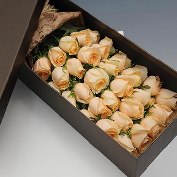 香槟玫瑰花盒