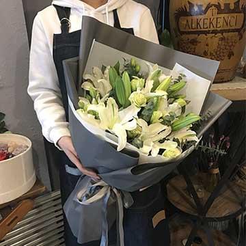 白百合花束