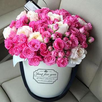 粉玫瑰抱抱桶花