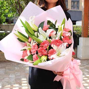 百合加康乃馨花束
