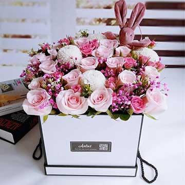 粉玫瑰花抱抱桶