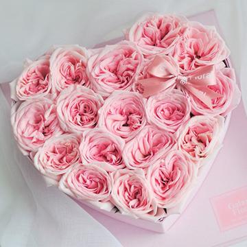 心形粉玫瑰花盒