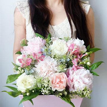 康乃馨抱抱桶花