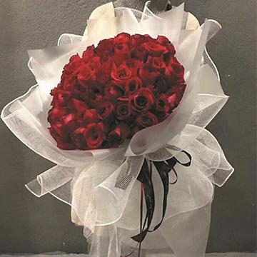 99朵红玫瑰花束