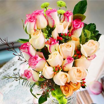 混色玫瑰瓶花