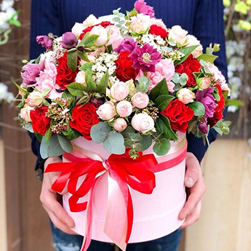 混色玫瑰抱抱桶
