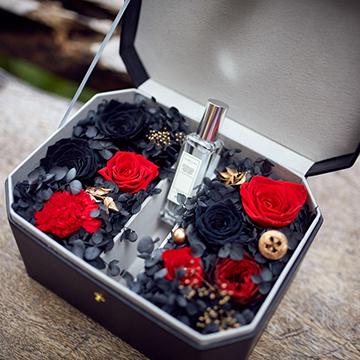 红玫瑰永生花图片
