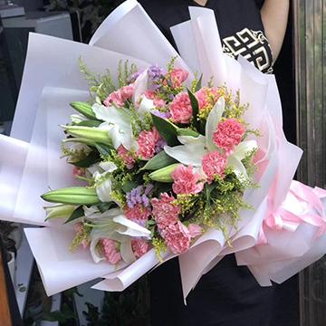 百合加康乃馨