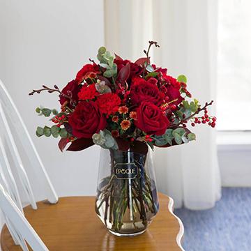 康乃馨玫瑰瓶插花