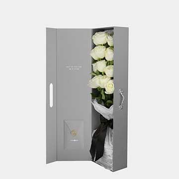 11枝白玫瑰