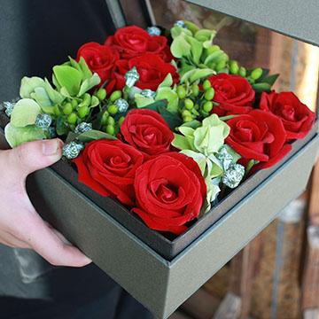 9朵红玫瑰