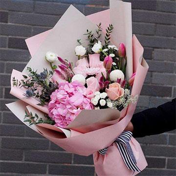 粉玫瑰花束