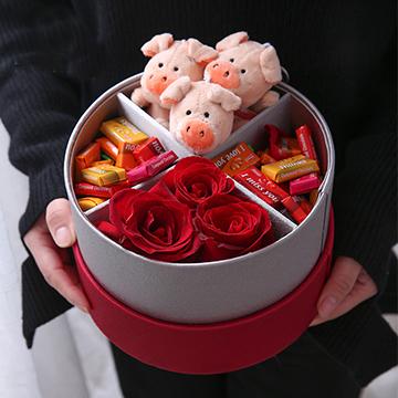 3朵红玫瑰花