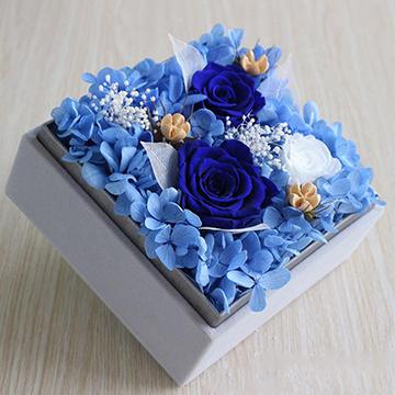 2朵蓝色妖姬永生花