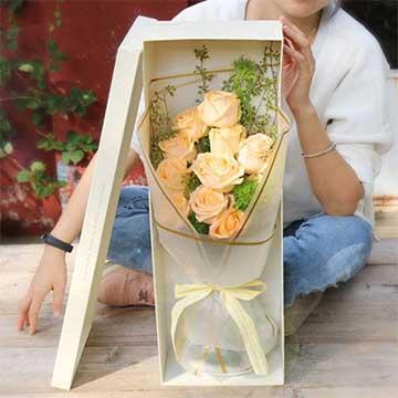 11朵香槟玫瑰的花语