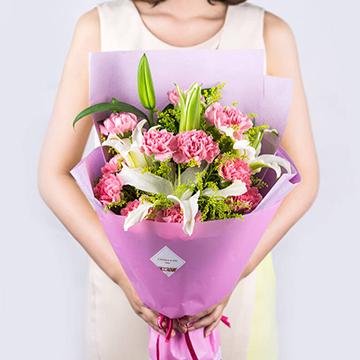 康乃馨百合花花束