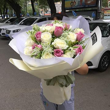 混搭玫瑰花束