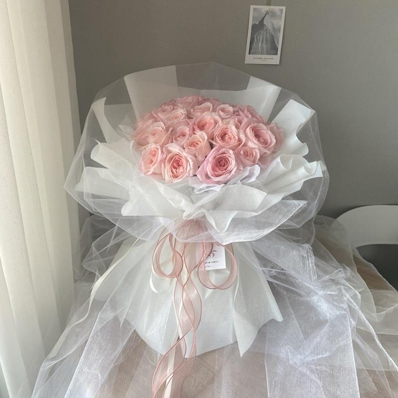 妙龄女郎-33朵粉玫瑰.jpg