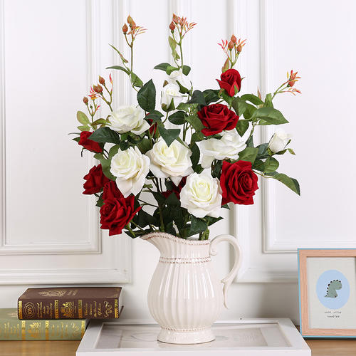插花 花店揭秘插花作品中的鲜花怎么样保鲜