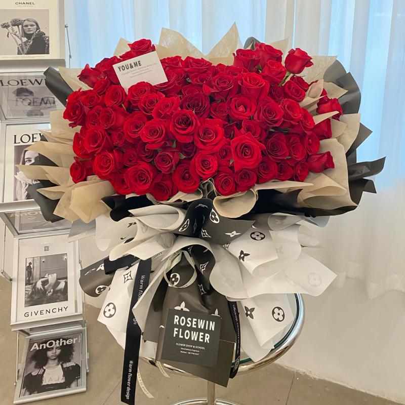 情书-119朵红玫瑰 大庆同城鲜花速递有哪些推荐_同城送花需要多长时间