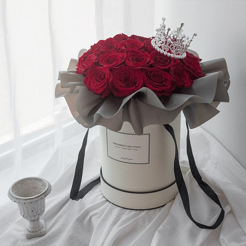 爱要大声说出来-33朵红玫瑰抱抱桶
