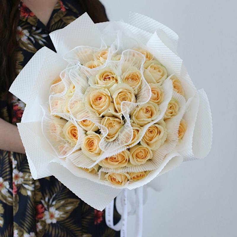 记录美好-33朵香槟玫瑰 女同学过生日什么花合适?上海同城鲜花速递哪家好