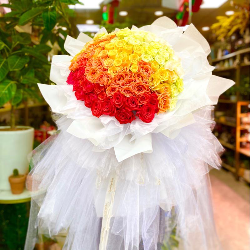 百花仙子-99朵混色玫瑰 女朋友生日送几朵花合适?南宁花店哪家服务好?