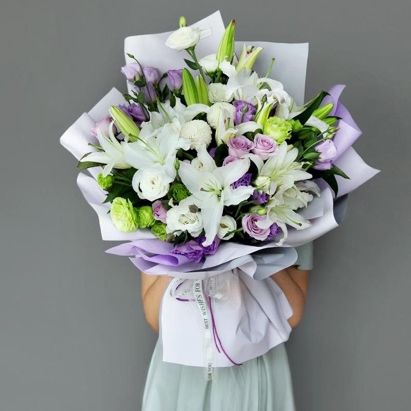 欣欣向荣-白百合+紫玫瑰混搭 北京男友过生日适合男生的鲜花有哪些?适合30岁以上的男士生日礼物