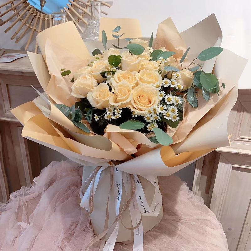特别的你-19朵香槟玫瑰 吉安市花店网上订花app靠谱吗?母亲40岁生日礼物排行榜