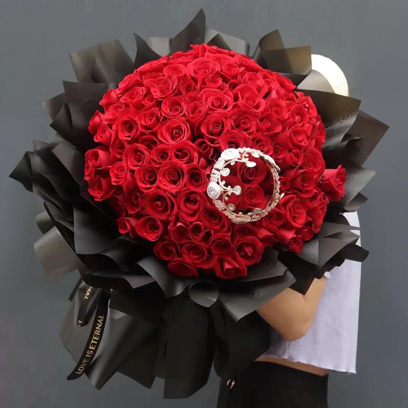 爱的礼物-99朵红玫瑰 湖南张家界鲜花店送花上门吗?七周年结婚纪念日送花这样选择更好