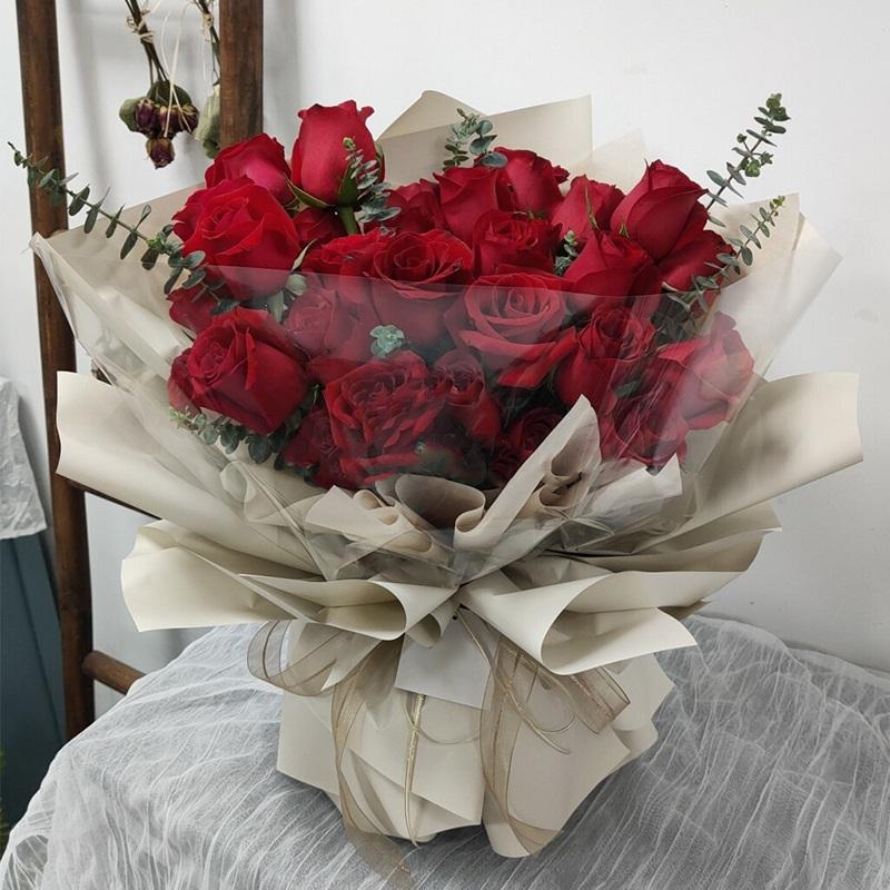 满满的爱-33朵红玫瑰 异地恋如何才能哄女友开心?保定鲜花店哪家好
