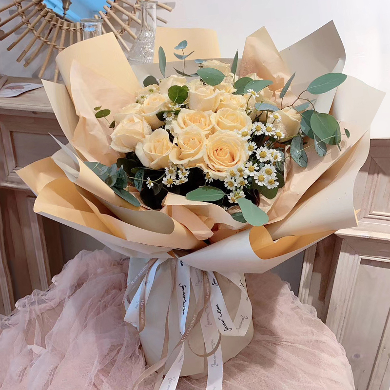 特别的你-19朵香槟玫瑰 情侣之间道歉和示爱的花束都有哪些?开封同城鲜花速递去哪个app