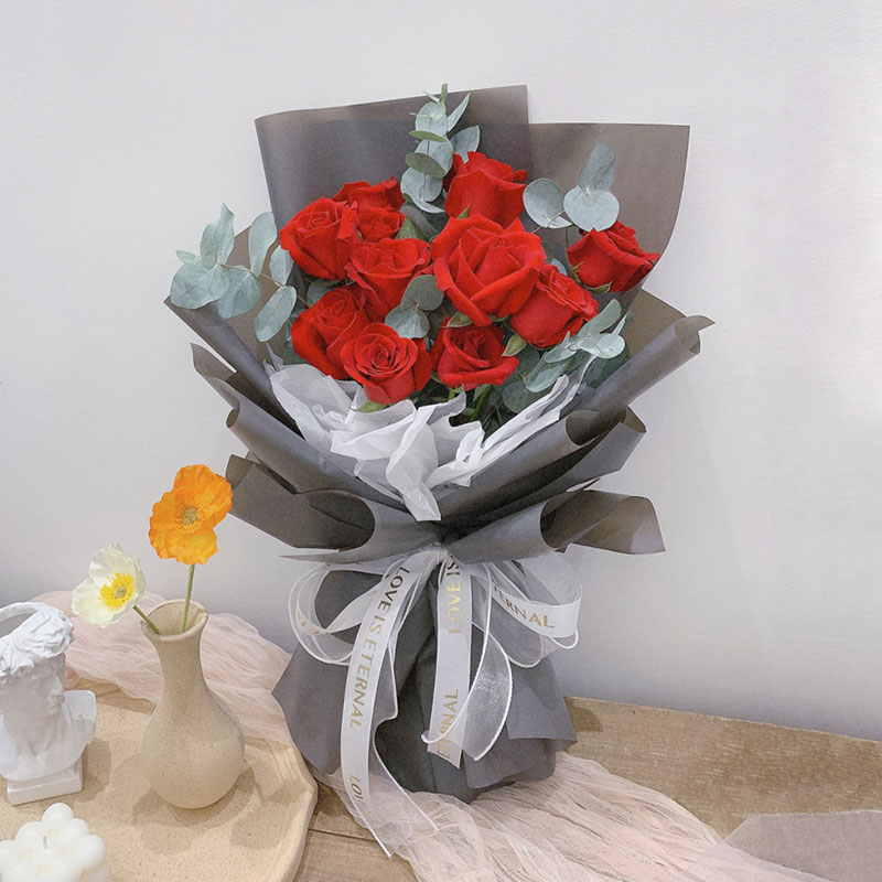 浪漫一刻-11朵红玫瑰 怎么异地订花送给心爱的人?成都订花的app有哪些