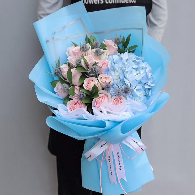亲切的问候-19朵粉玫瑰+绣球混搭 大连同城鲜花速递哪个app好?未来岳母生日适合送哪些花束