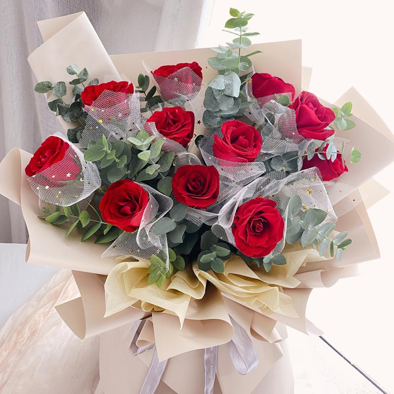 亲爱的你-11朵红玫瑰 国庆节哪些花束比较适合送人?广安鲜花店支持异地订花吗