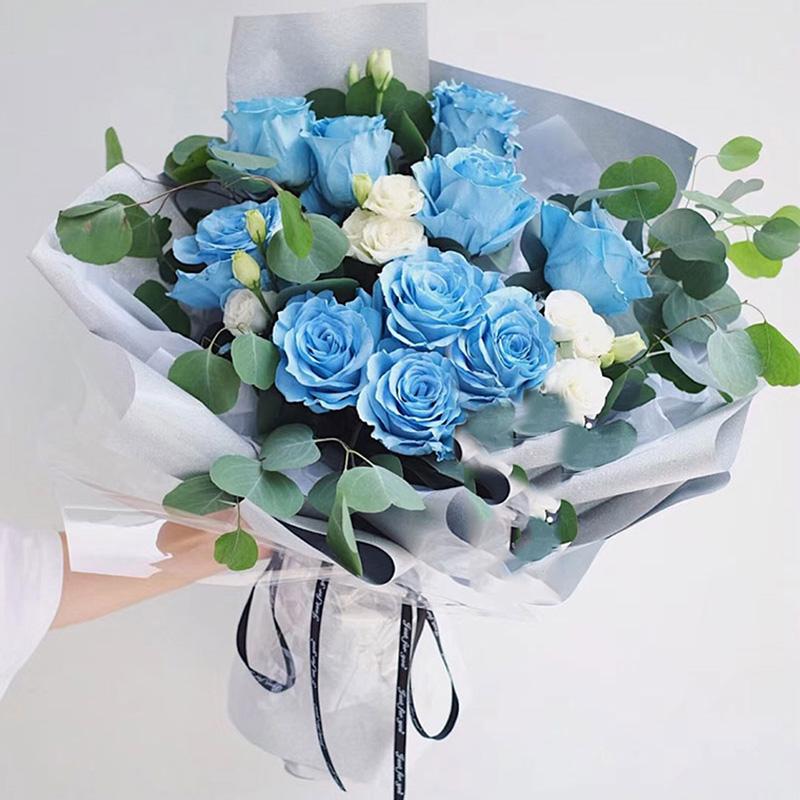纯美花开-10朵厄瓜多尔蓝色玫瑰 国庆节送给女朋友的鲜花可以是哪些?哈尔滨花店哪家app好