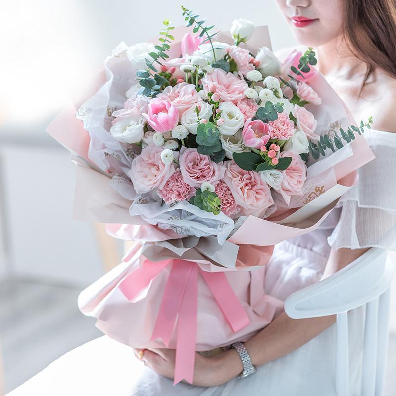温暖的问候-粉色康乃馨+粉玫瑰混搭 亲人生日送什么礼物合适?南宁订花app哪个好