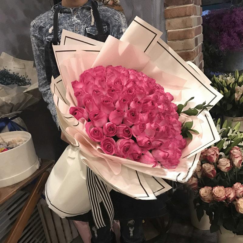 铭记于心-99朵糖果雪山 20岁女孩生日比较适合哪些鲜花?安康花店app哪家好