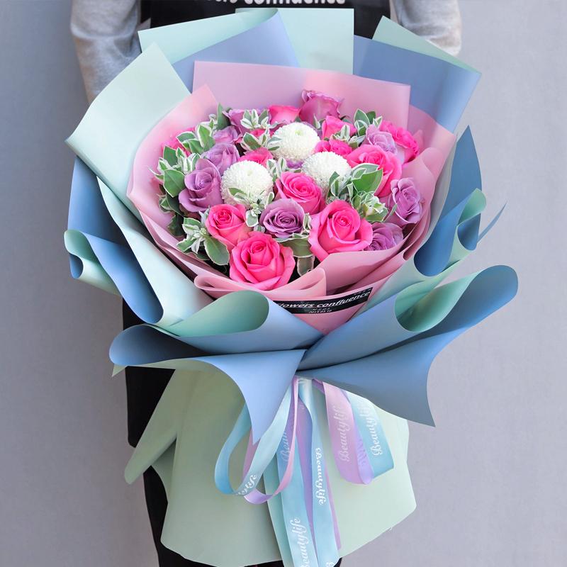 暖暖回忆-33朵混色玫瑰 50岁过生日有哪些礼物可以送?乐山鲜花店有没有同城鲜花速递