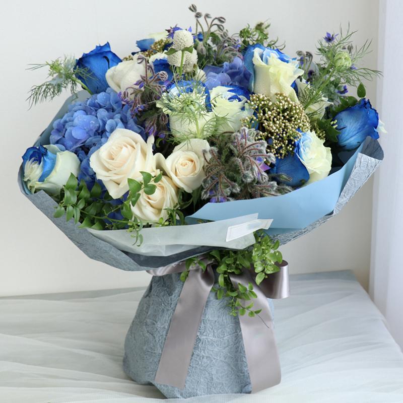 生命的主角-天空玫瑰韩式混搭 定西鲜花店服务哪家好?哪些鲜花能代表家庭的幸福