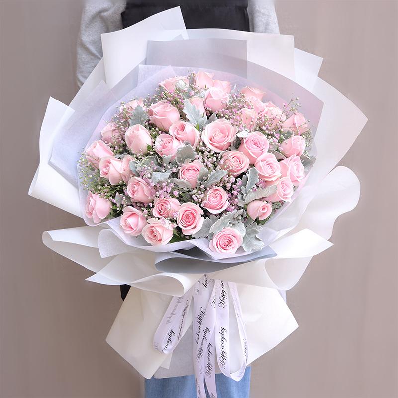 温柔月色-33朵粉玫瑰 广元网上订鲜花app哪家服务不错?二十六七岁的男人过生日哪些礼物可以送