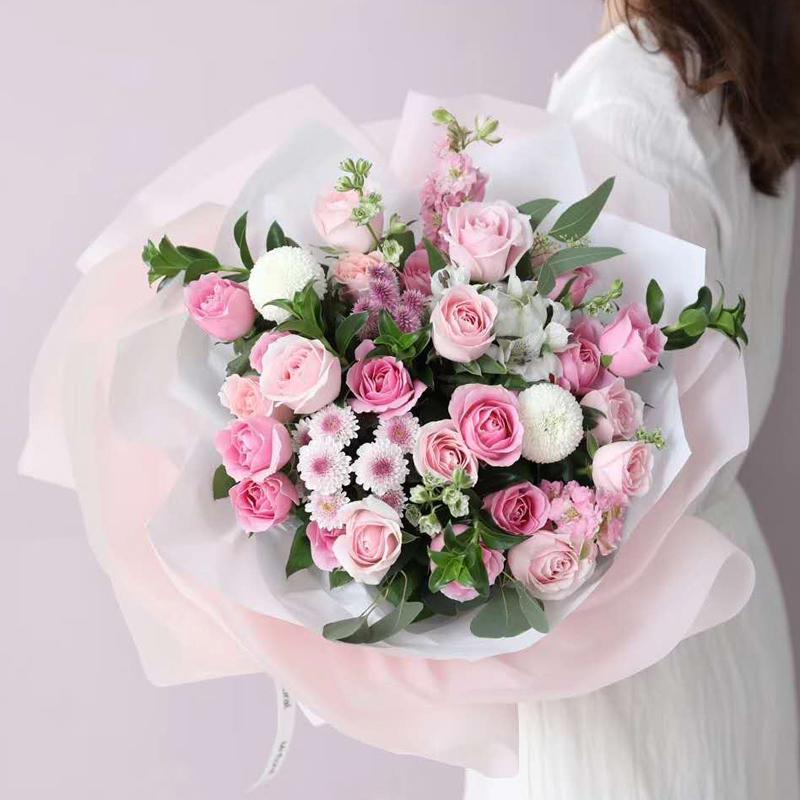 甜蜜小调-19朵混色粉玫瑰 什么鲜花代表生意兴隆?娄底花店哪家app服务好