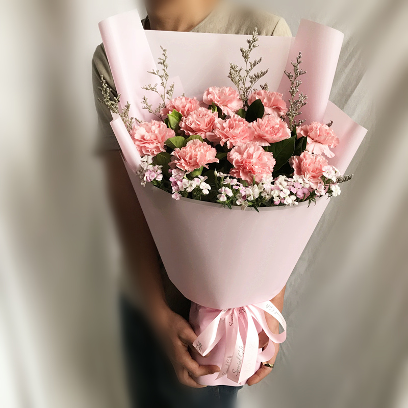 敬祝安好-11朵粉色康乃馨 60多岁老爷爷过生送哪些鲜花?包头哪家鲜花店服务好