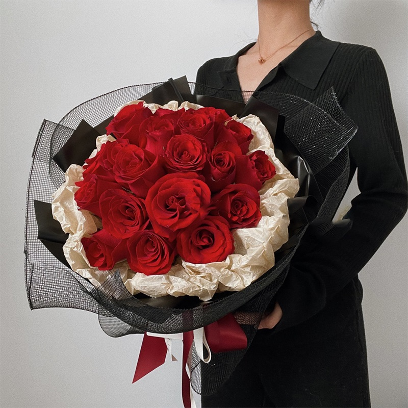 金风玉露-19朵红玫瑰花束 乐山鲜花预订靠不靠谱?恋爱关系没确定时送什么礼物合适