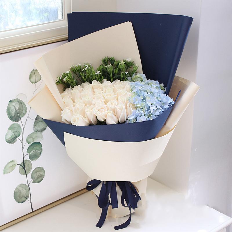 雪山之恋-33朵白玫瑰韩式混搭