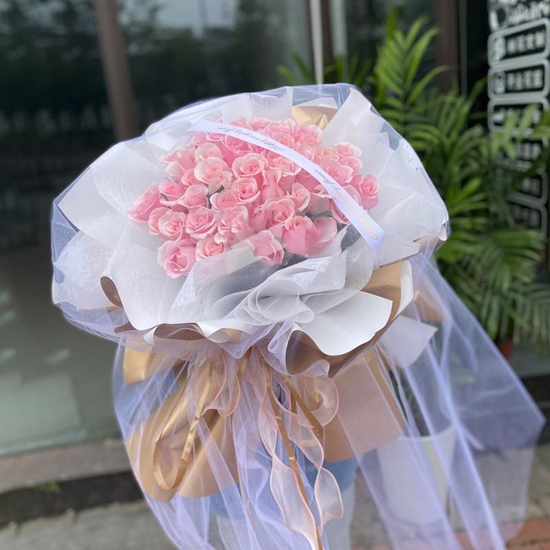 花信年华-52朵粉玫瑰 姐姐生日到了送哪些鲜花好?乐山花店网上鲜花预定服务如何